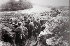 1024px-German_trenches_on_the_aisne